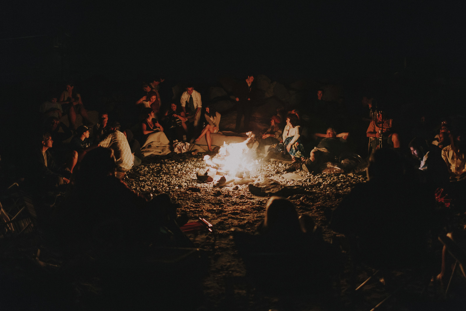 beach-campfire-wedding