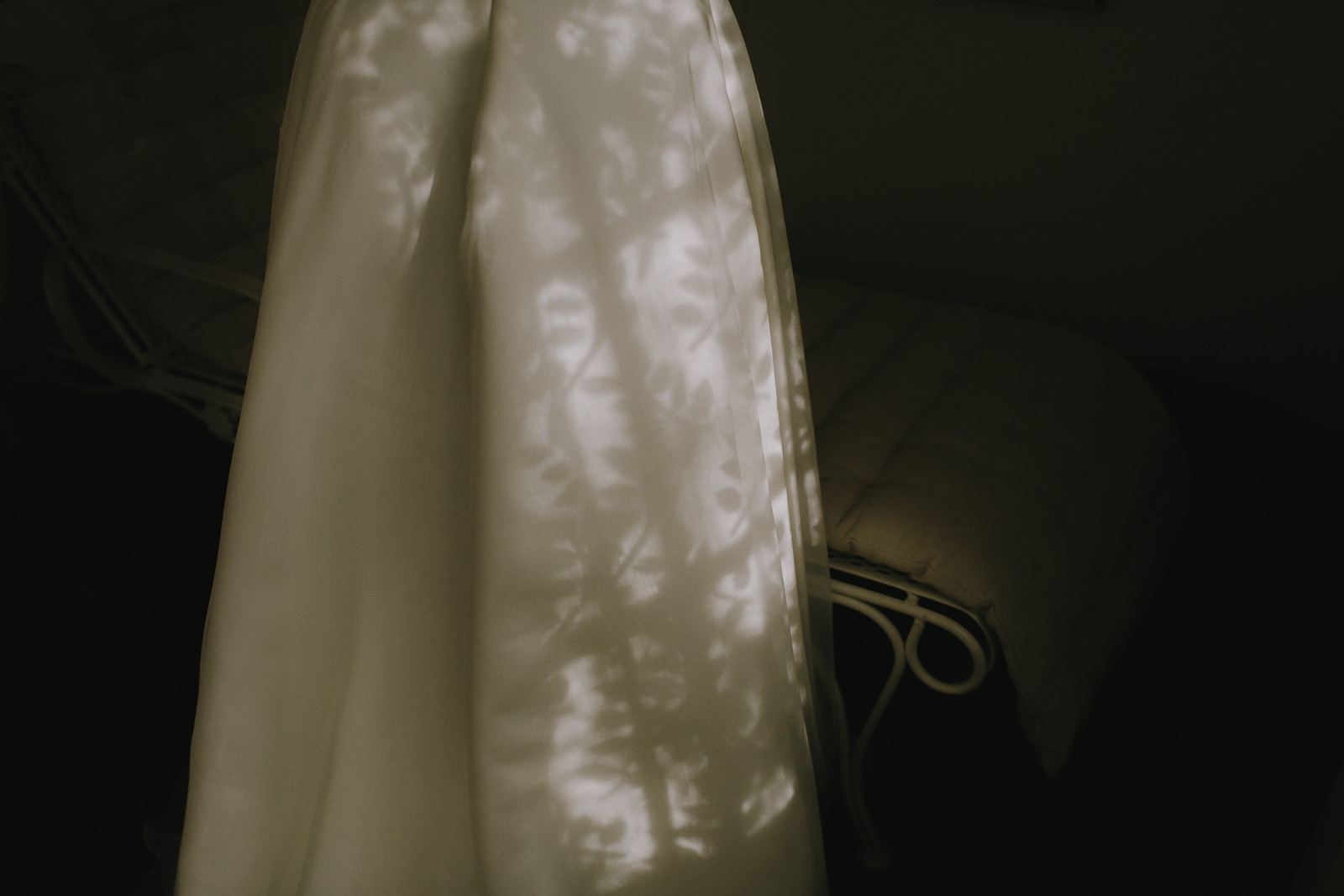wedding-dress-light