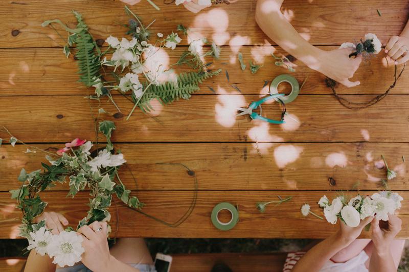 flower-making-wedding