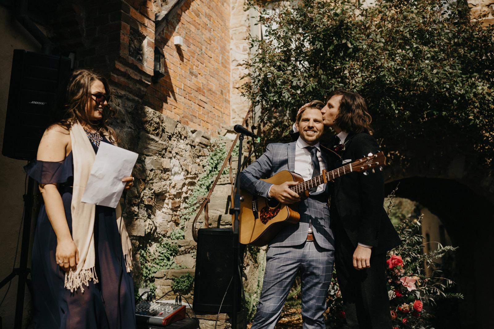 documentary-wedding-photography 00098
