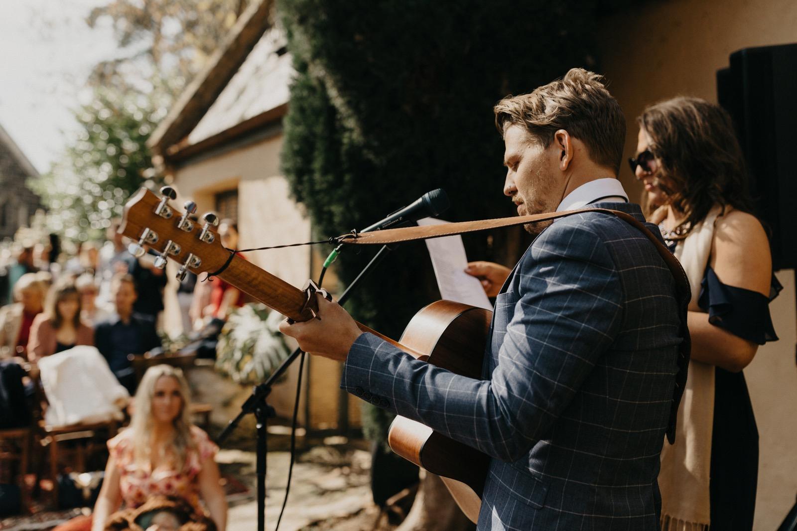 documentary-wedding-photography 00102