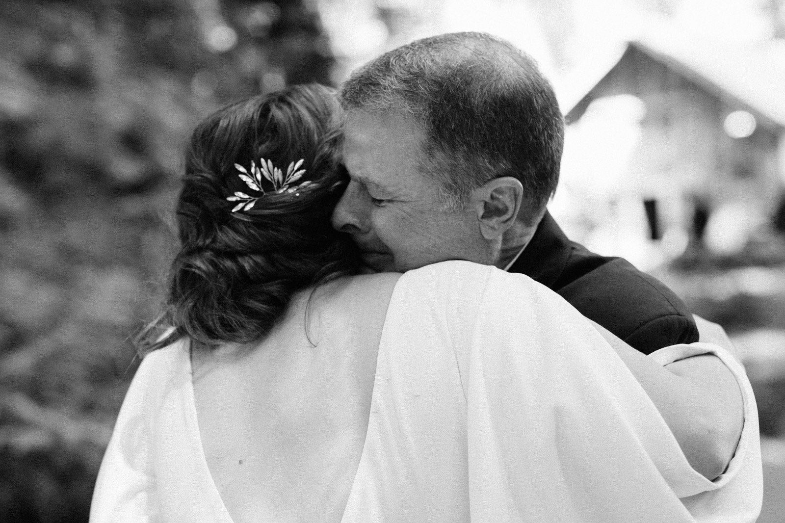 020_Emily & Jeff Wedding 0162_moments_bride_first-look_father_wedding