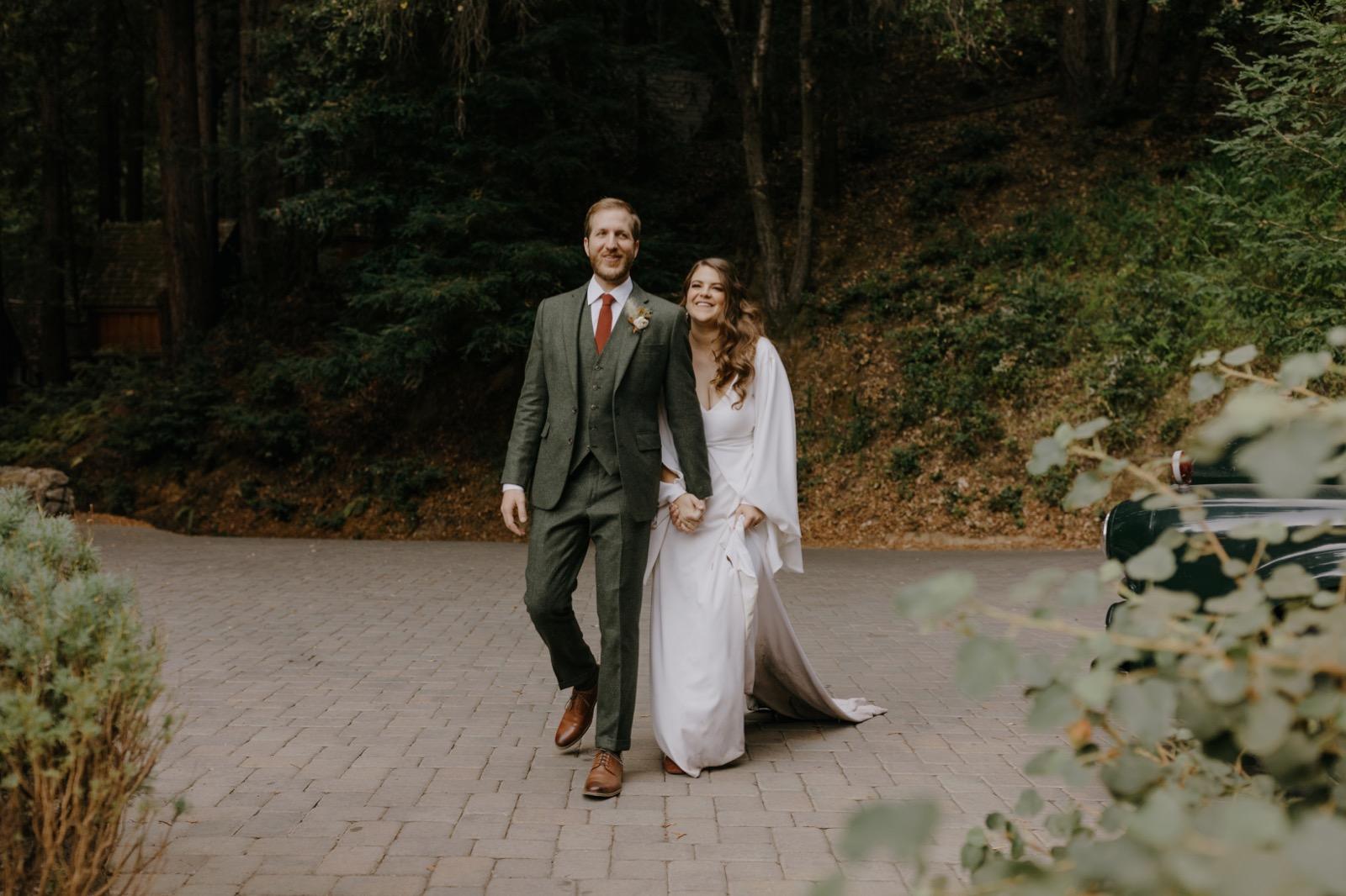 099_E&J (amari) 07299_the-waterfall-lodge_forest_wedding_ben-lomond_intimate