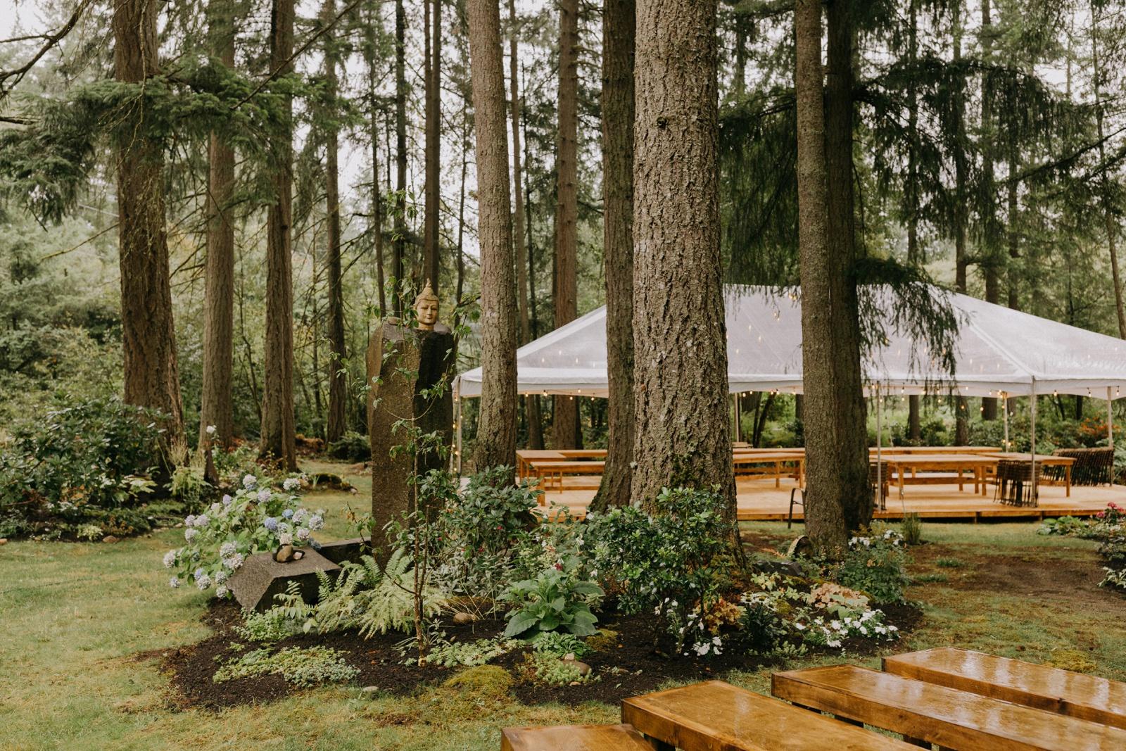 Matthew and Autumn Intimate Outdoor Backyard Wedding_0021