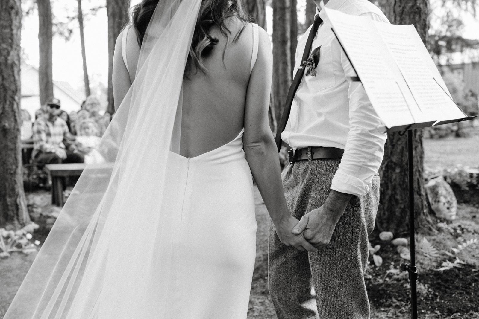 Matthew and Autumn Intimate Outdoor Backyard Wedding_0126