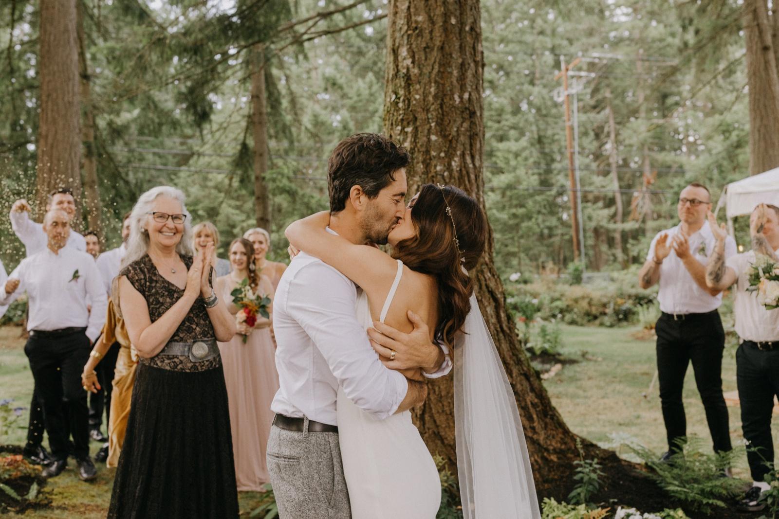 Matthew and Autumn Intimate Outdoor Backyard Wedding_0157