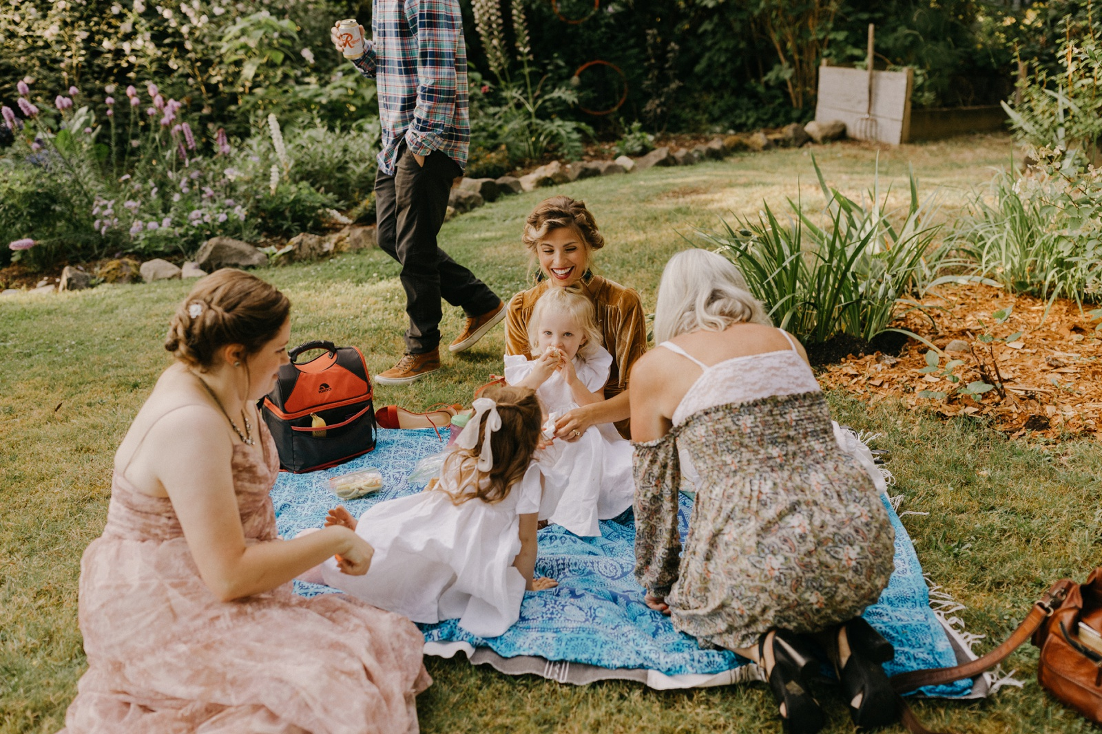 Matthew and Autumn Intimate Outdoor Backyard Wedding_0177